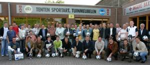 Alle prijswinnaars van de Trompettercup 2005 verzameld. (foto Theo van Sambeek)