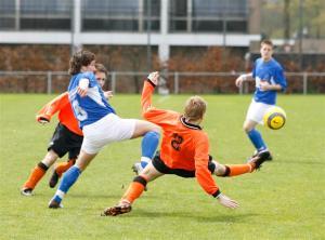 Het duel tegen SBC stond vooral in het teken van het afscheid van diverse spelers en trainers. (foto Heidi Wils)