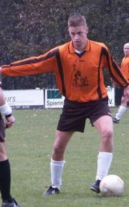 Aanvoerder Ad van Gestel bracht SDO'39 nog even terug in de wedstrijd.